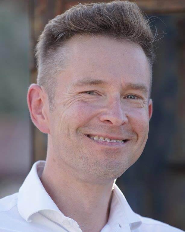ao. Univ.-Prof. Dr. Christian M. Piska